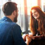 なぜか男性にモテる女性が日常的に行っている行動